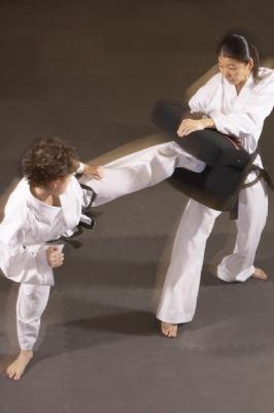 Tae Kwon Do Sparring Drills - Woman