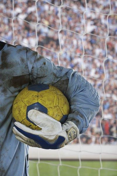 Los guantes también son parte del avance tecnológico en el fútbol.