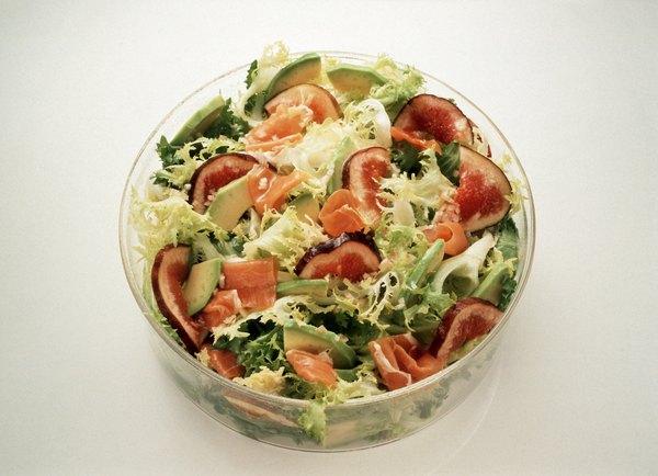 La ensalada de guacamole es una delicia para los amantes del aguacate.