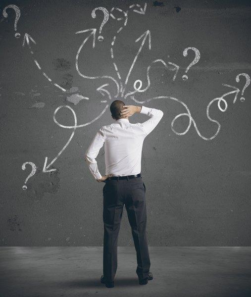 Pensar demasiado antes de resolver el ejercicio no es buen indicador.