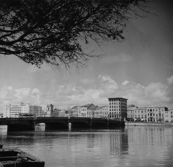 Vista do Recife, sobre o rio Capibaribe (1955)