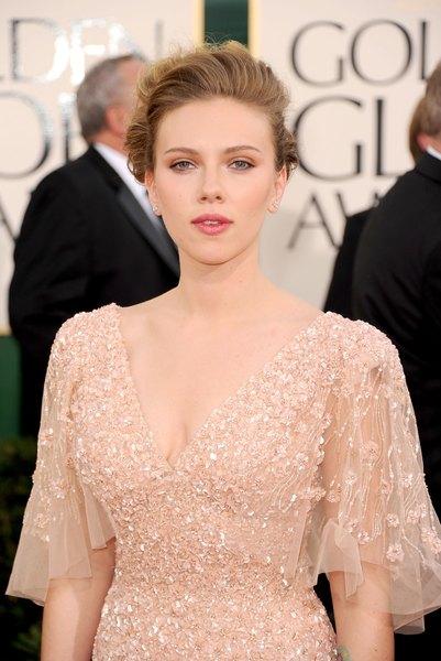 Scarlett Johansson no Globo de Ouro de 2011