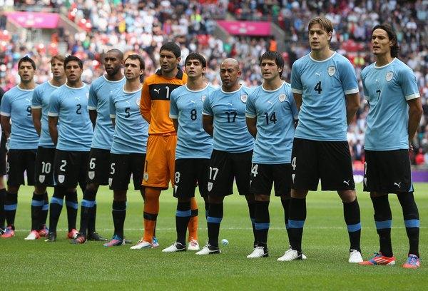 O Uruguai foi o primeiro país a sediar uma Copa do Mundo e também o primeiro a levantar a Copa