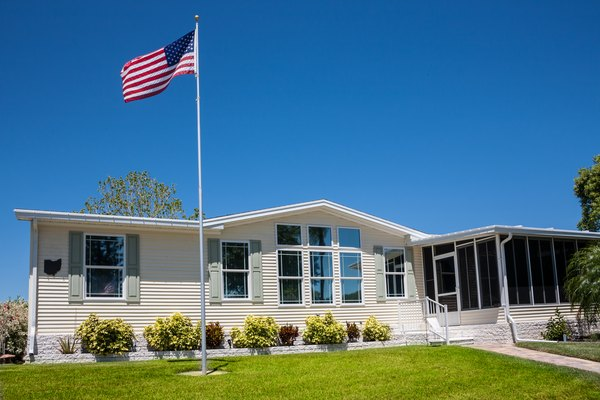 The Average Cost to Deliver and Set Up a Mobile Home | Home Guides