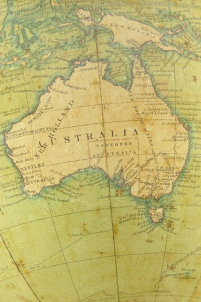 Australia is the large island continent south of Asia.