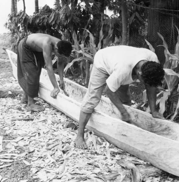 How to Build a Canoe Like the Native Americans Did