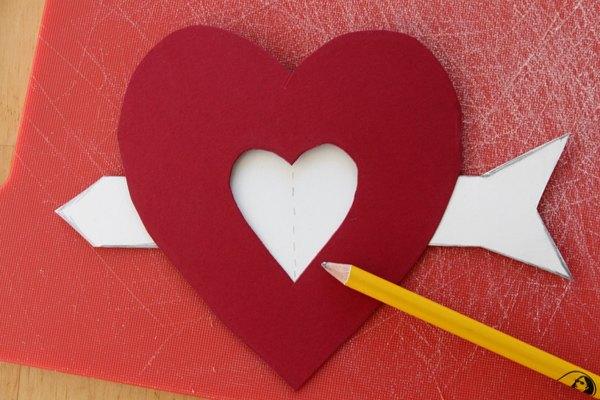 Coloque a flecha dentro do coração