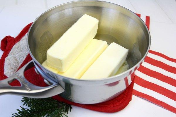 Derreta a manteiga para o caramelo