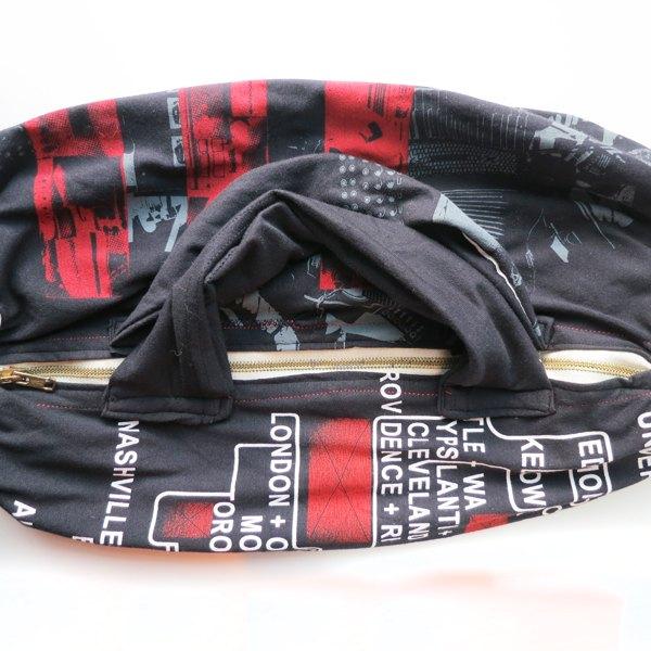 Costure as alças à mochila
