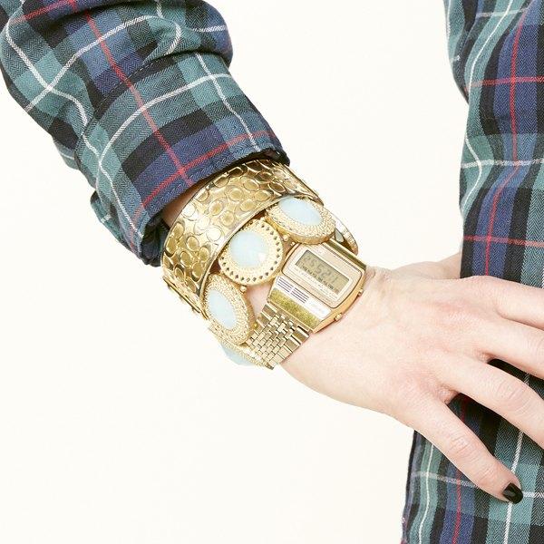 Combine pulseiras e relógios