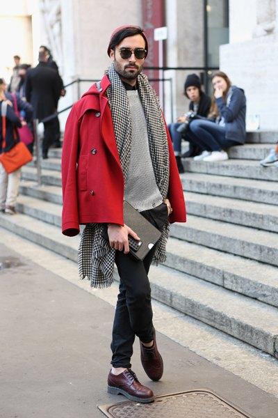 Use casacos de cores vibrantes