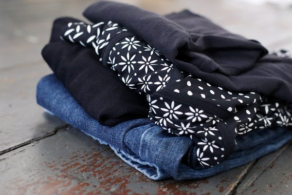 Prefira roupas escuras e duráveis
