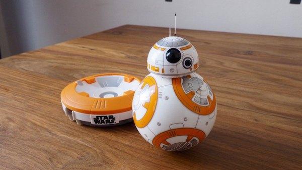 Imagen del nuevo juguete que emula al droide BB-8 de la nueva entrega de la Guerra de las Galaxias