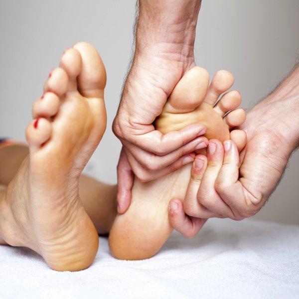 Aproveite uns minutos antes de dormir para uma massagem relaxante
