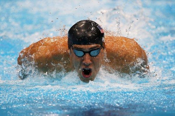 El nadador Michael Phelps es el atleta más condecorado de los Juegos Olímpicos con 22 medallas en total, 18 de ellas de oro.