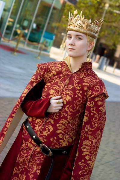 Disfrázate del perverso rey Joffrey Baratheon de Games of Thrones.