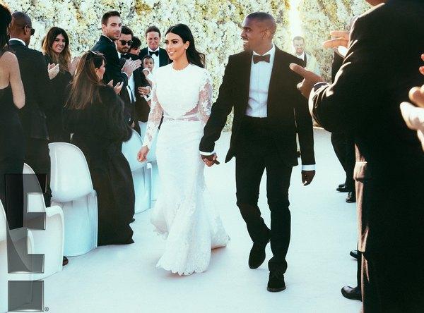 Este vestido es el mejor para aquellas novias que buscan algo elegante y sensual a la vez.