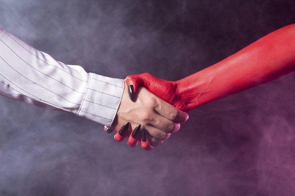 Apertos de mãos fracos podem transmitir desconfiança ou insegurança