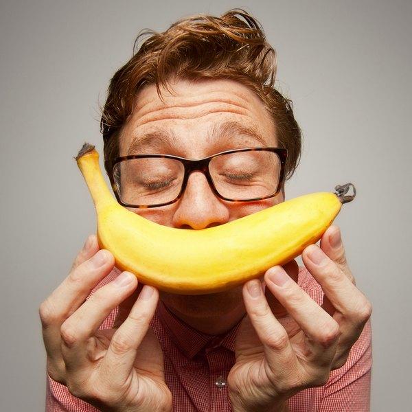 Atletas devem comer uma boa quantidade de banana para evitar câimbras