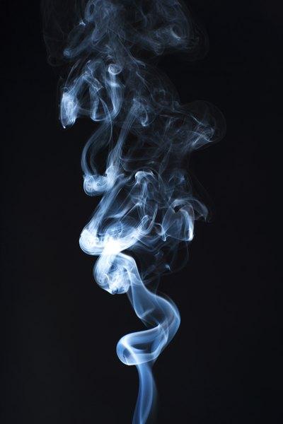 O consumo de tabaco em espaços fechados apresenta riscos à saúde
