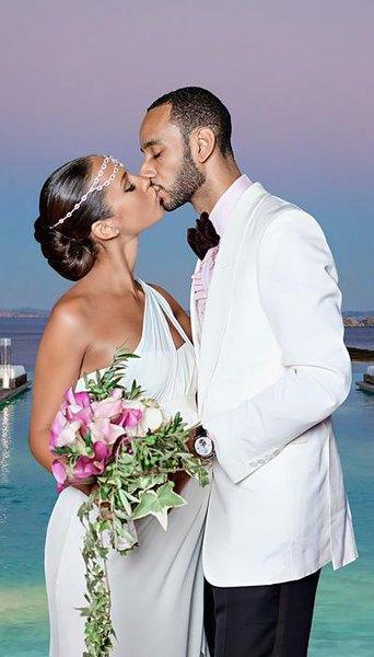 El vestido de seda de Alicia Keyes es ideal para una boda en verano.