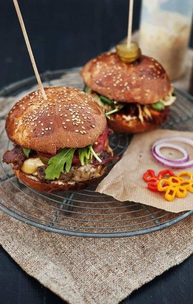 """Buns es un """"food truck"""" que llama la atención por sus sabores perfectos."""