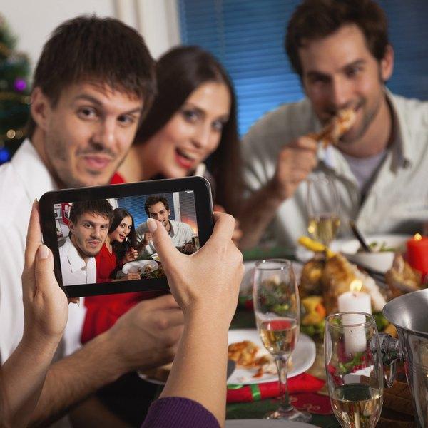 Esteja atento para não esquecer de convidar um parente importante
