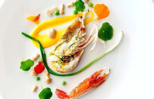 Su chef nacido en Argentina, Mauro Colagreco, ha buscado la innovación y a la vez la simplicidad en su menú.