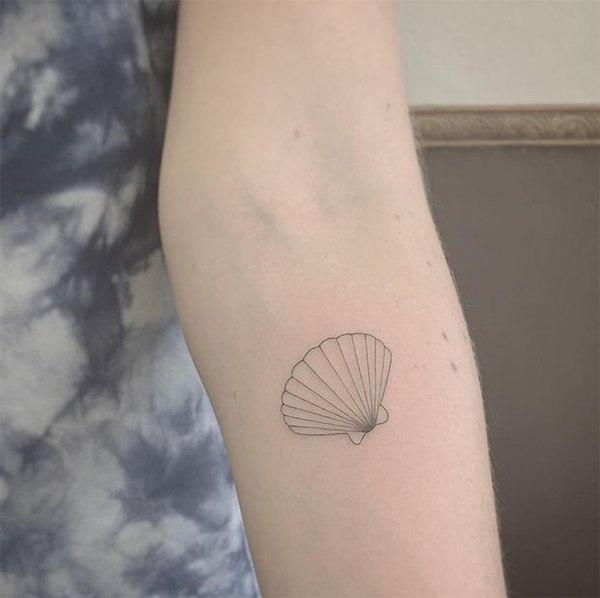 Este tatuaje es sumamente original ya que está hecho con una aguja finísima para obtener el resultado final.