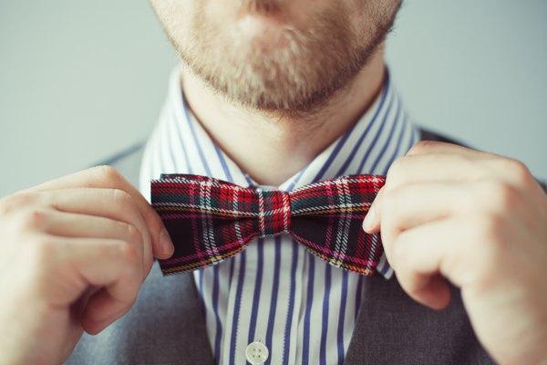 """Use uma gravata borboleta para estar a um passo de ser um dos homens mais sexys da lista da revista """"People"""""""
