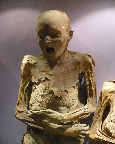 Na cidade de Guanajuato, é comercializado um doce de rapadura em forma de múmia
