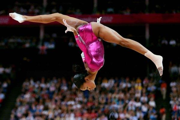 Junto con el atletismo y la natación, la gimnasia está considerada dentro del trío de los deportes más importantes de los Juegos Olímpicos.