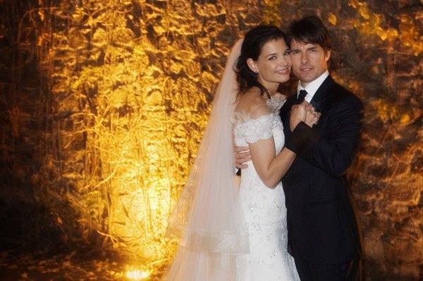 El vestido de novia de Katie Holmes es ideal para una boda elegante.