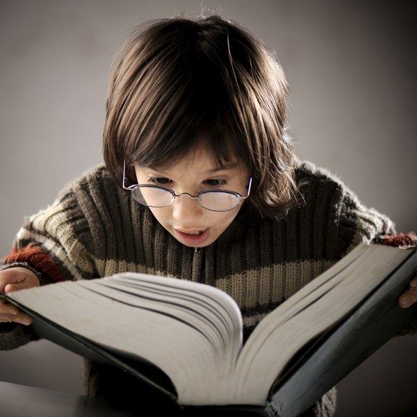 Leia junto com seu filho para ele criar o gosto pela leitura