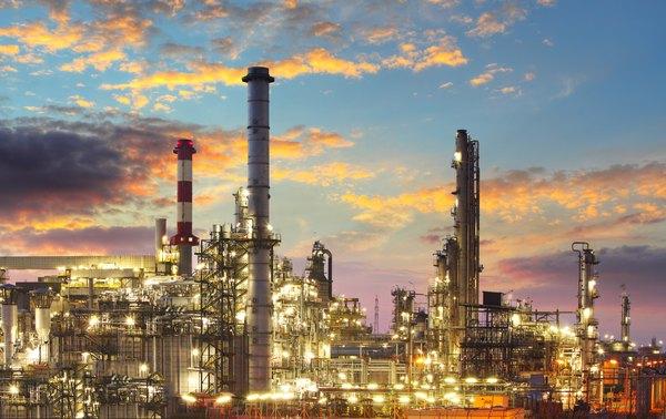 A indústria química representa outra causa grave de poluição aérea