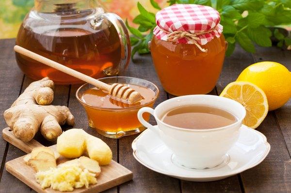O chá de gengibre com mel hidrata o corpo
