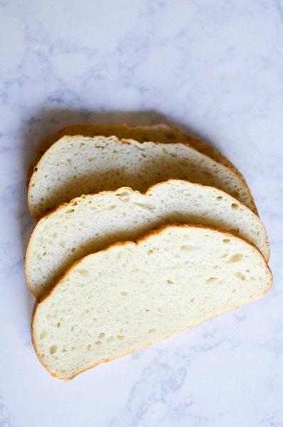 El pan es un obligado de las mañanas.