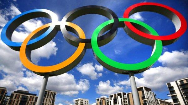 Los primeros Juegos Olímpicos modernos tuvieron lugar en Atenas, Grecia, en 1896.