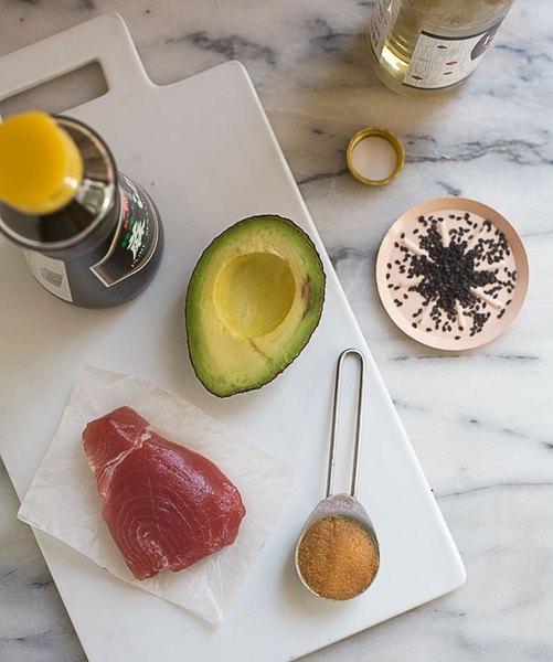 Reúne todo lo que necesitas y prepárate para un desayuno poderoso.