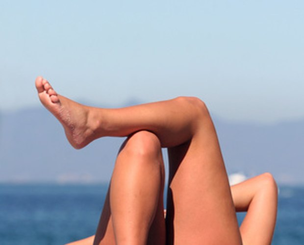 How to Get Rid of Ingrown Hairs on Thighs | LEAFtv