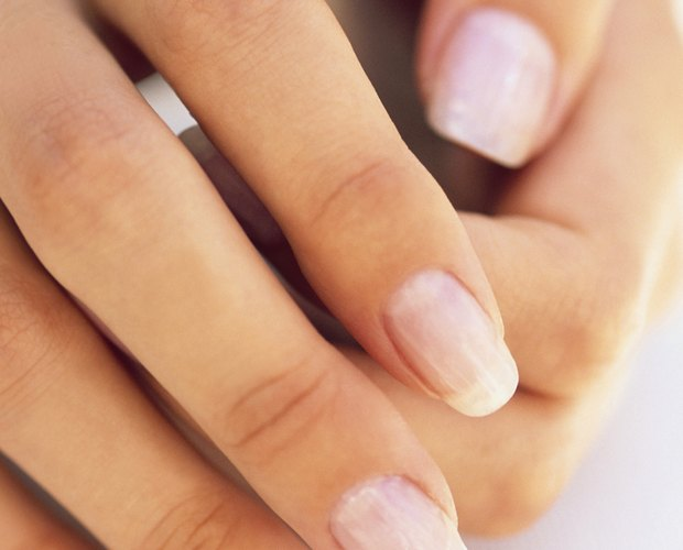 How to Care for Your Nail Bed After Losing a Fingernail | LEAFtv