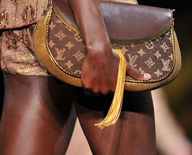 86dd89bb8487 How to Clean Louis Vuitton Canvas