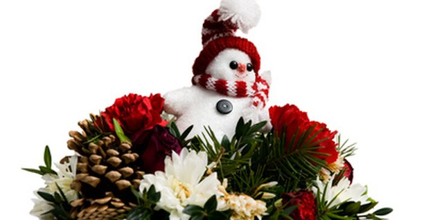 Create your centerpiece for a holiday or season.