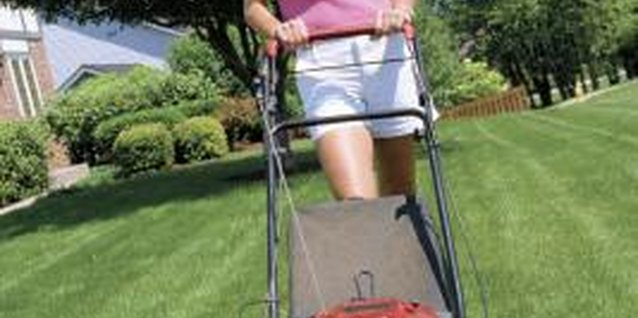 Symptoms of Water in the Gas for Lawn Mowers