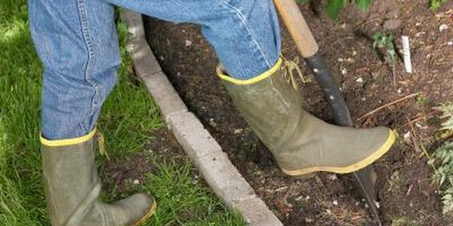 How to Dig the Trench to Install Concrete Edging