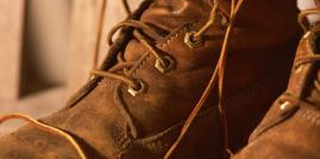 How to Tie Leather Shoe Laces