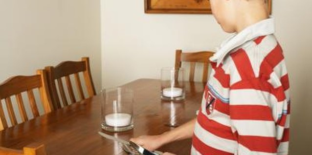How to Teach Your Child How to Set a Dinner Table