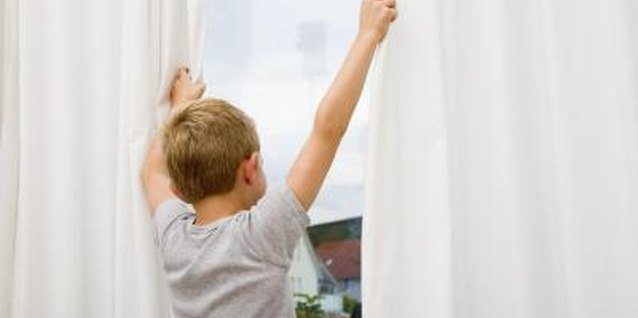 How to Determine the Number of Curtain Panels Needed