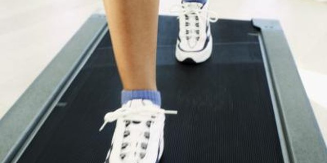 Does Walking on a Treadmill on an Empty Stomach Harm You?