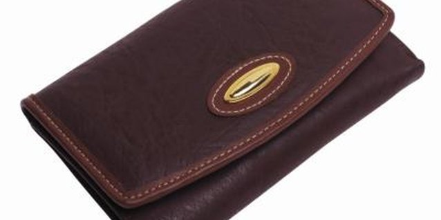 How to Loosen Up Stiff Leather Wallets
